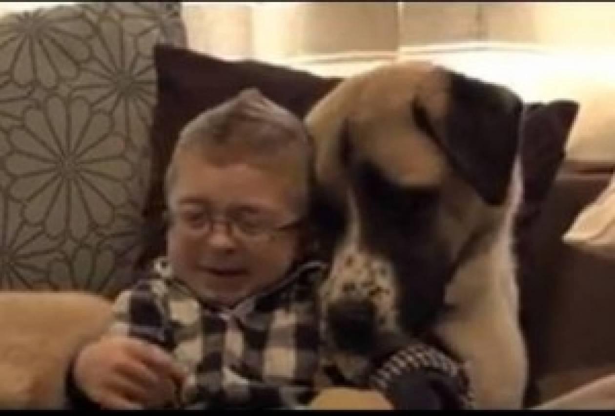 Bίντεο: Μια πολύ ιδιαίτερη και δυνατή φιλία!