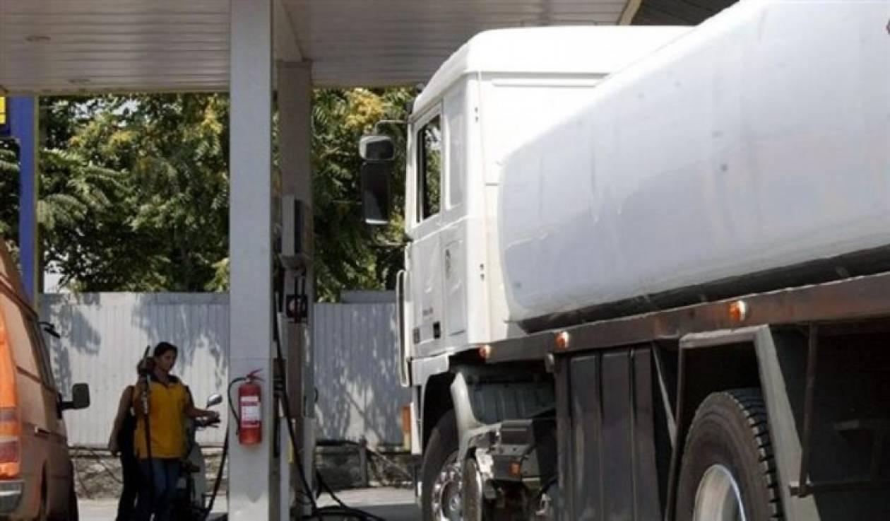 Λαθρεμπόριο καυσίμων: Απολογούνται ο τμηματάρχης και οδηγοί βυτιοφόρων