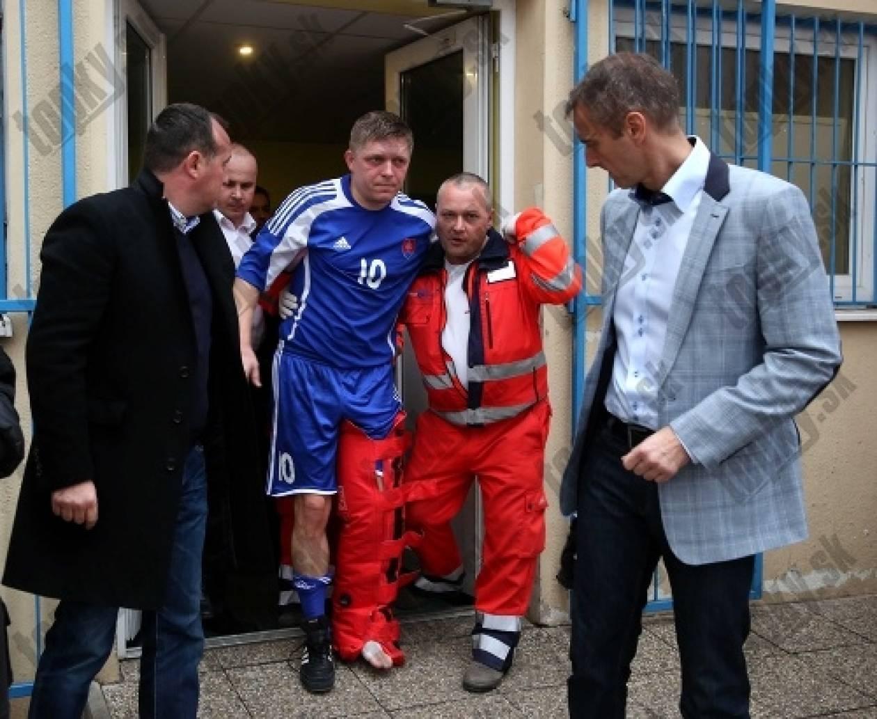 Τραυματίστηκε σε αγώνα ποδοσφαίρου ο πρωθυπουργός της Σλοβακίας (pics)