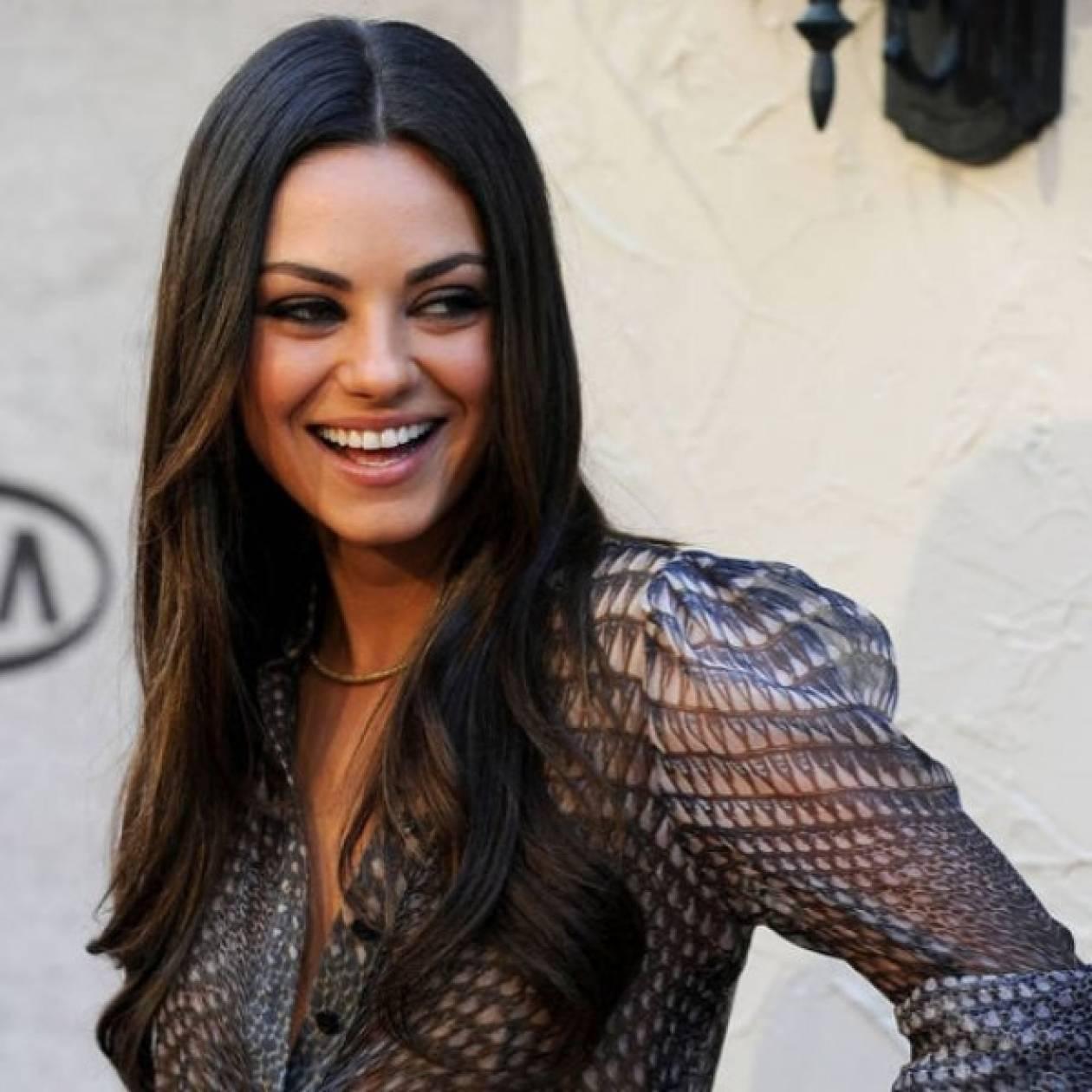 Mila Kunis: Δε νιώθει σέξι αλλά έχει ένα μυστικό που τρελαίνει