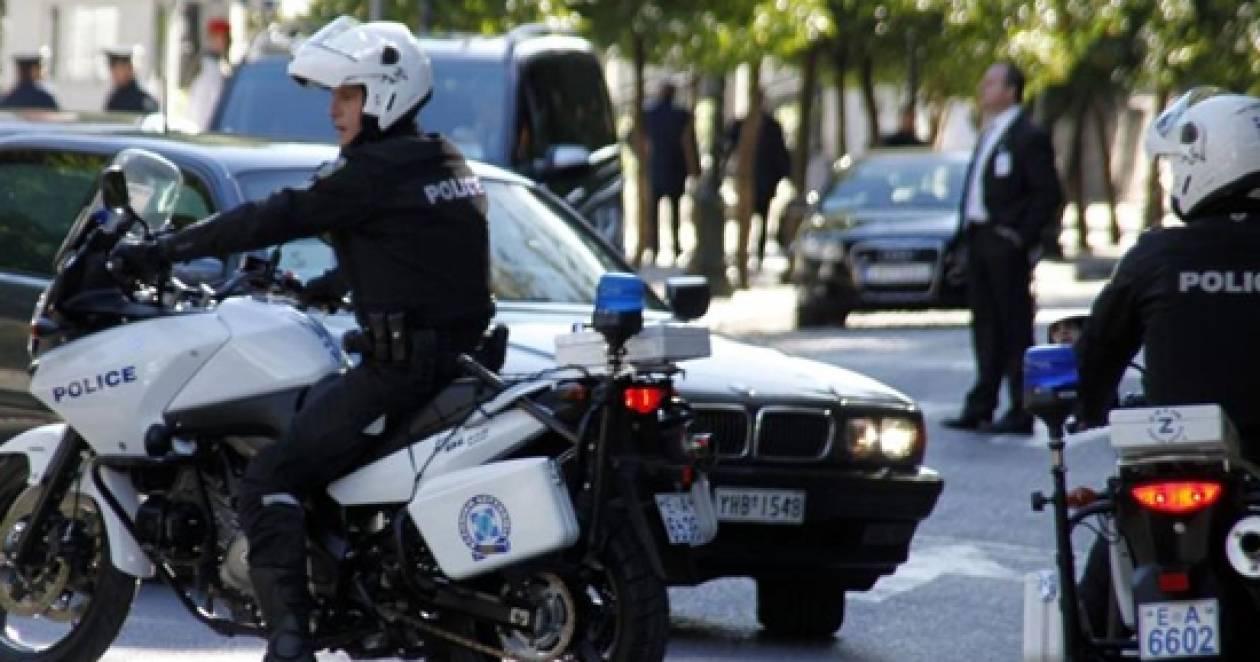 Πάτρα: Ληστής «εμβόλισε» αστυνομικούς - Δύο τραυματίες