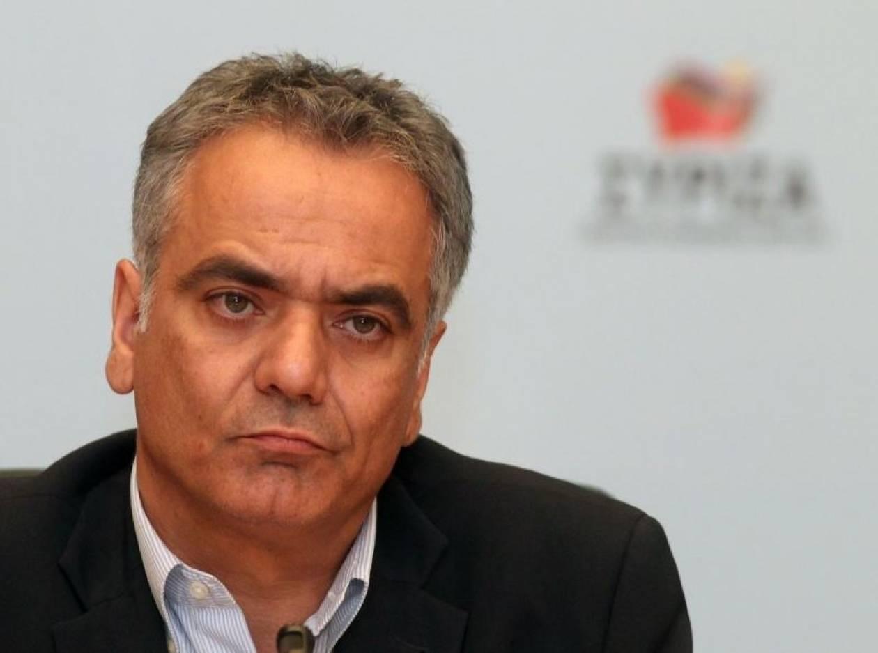 «Η κυβέρνηση κουκουλώνει τα καίρια ζητήματα-Οι Έλληνες δεν μασάνε πια»