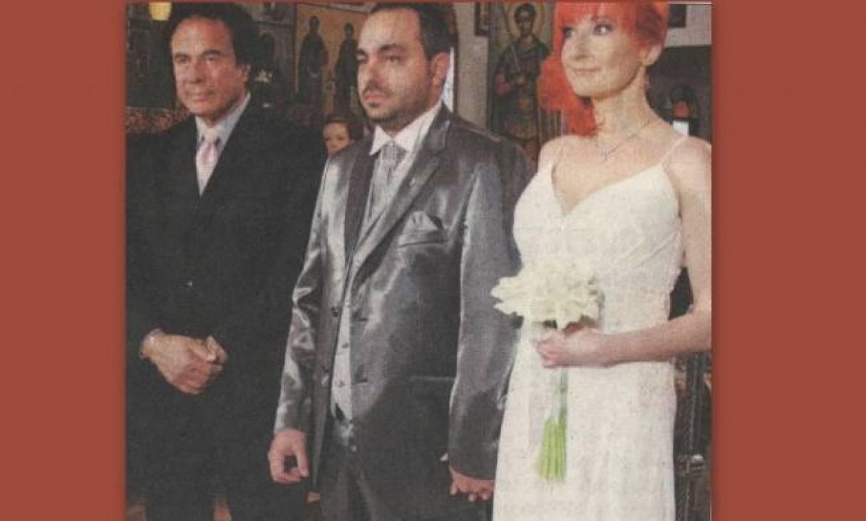 Ο γιος της Πόλυς Πάνου ντύθηκε γαμπρός πέντε μήνες μετά το θάνατο της