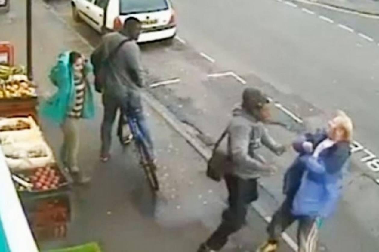 Βίντεο: Τον σκότωσε στη μέση του δρόμου με μια γροθιά!