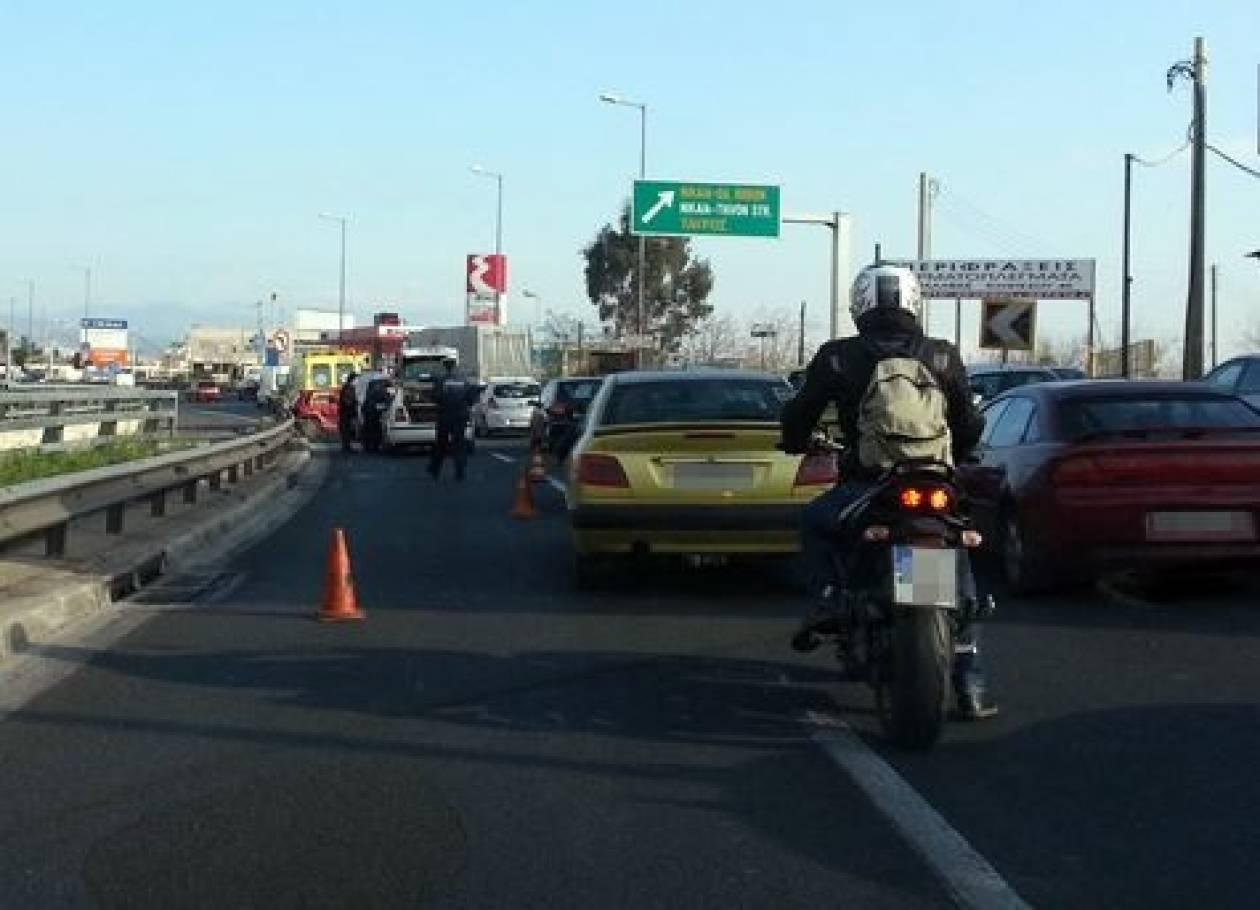 ΤΩΡΑ: Ατύχημα στην Ε.Ο Αθηνών – Λαμίας στο ύψος του Ρέντη