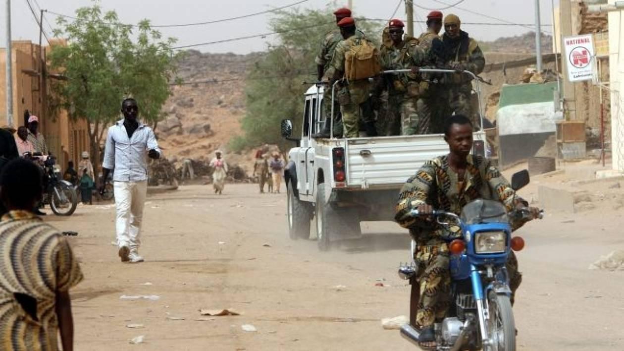 Μαλί: Όχημα των Γιατρών του Κόσμου έπεσε σε νάρκη (pic)