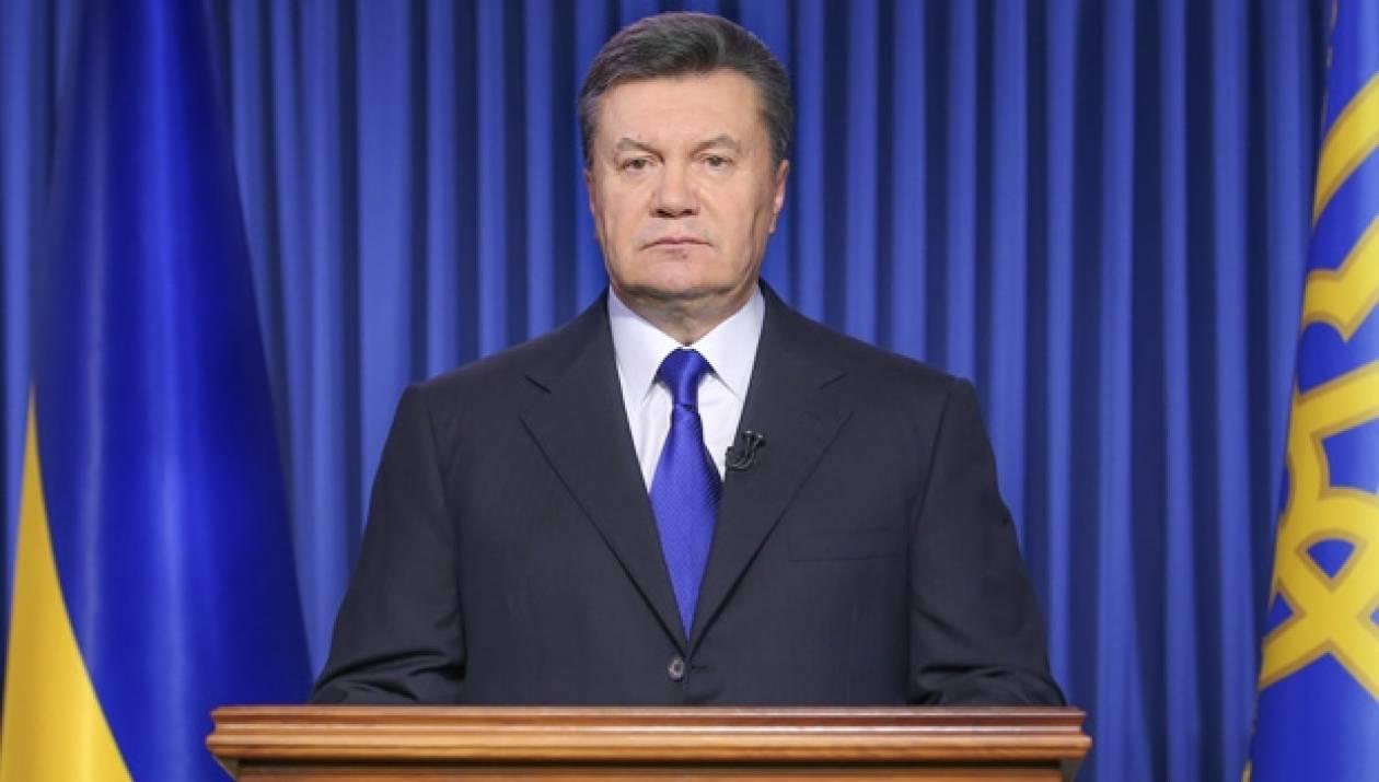 Πρόθυμος να συνεργαστεί δήλωσε ένας δικηγόρος του Γιανουκόβιτς