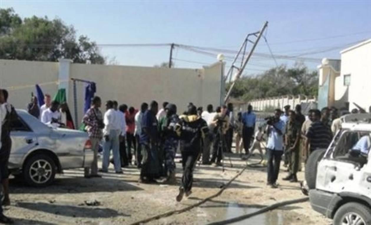 Σομαλία: Τουλάχιστον οχτω νεκροί από έκρηξη παγιδευμένου αυτοκινήτoυ