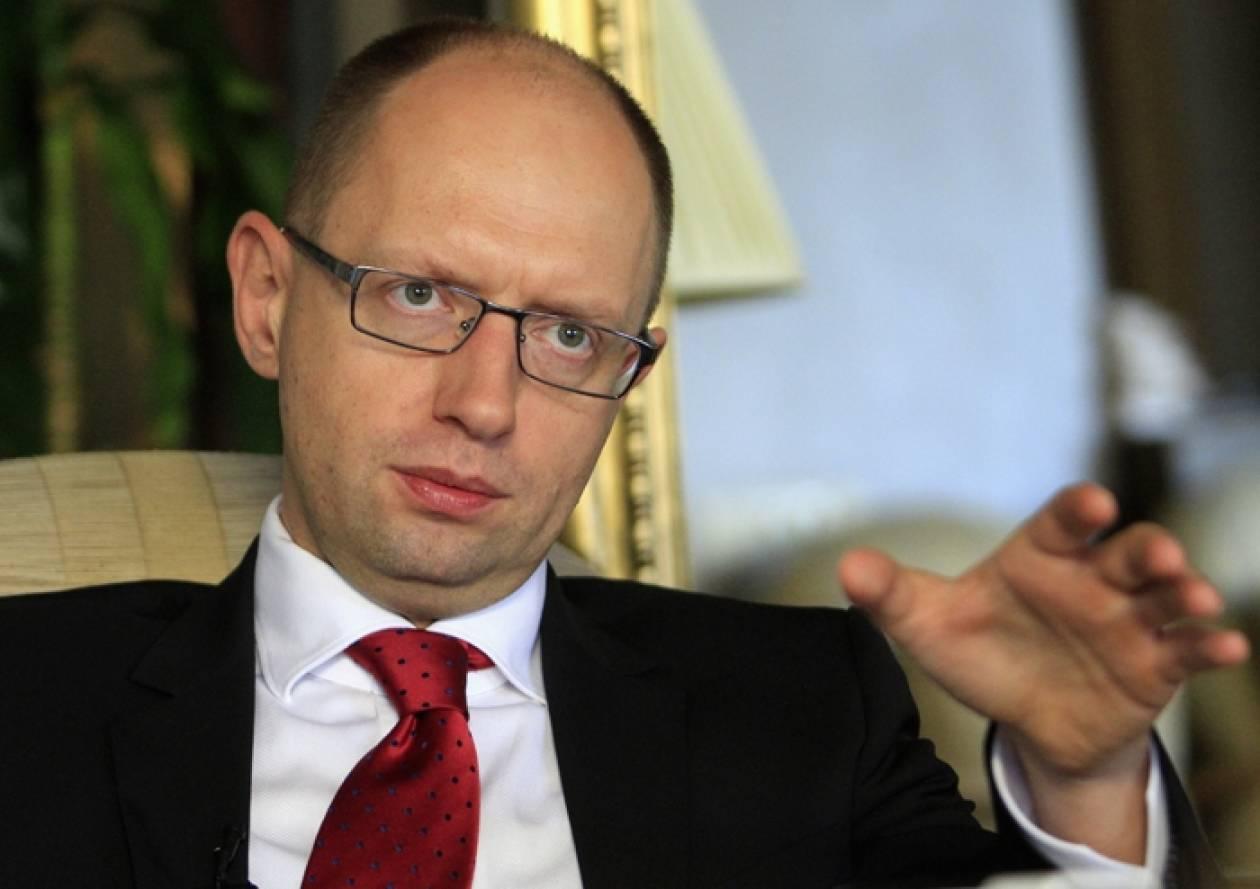 Ουκρανία: Ο Αρσένι Γιατσένιουκ διορίστηκε πρωθυπουργός της χώρας
