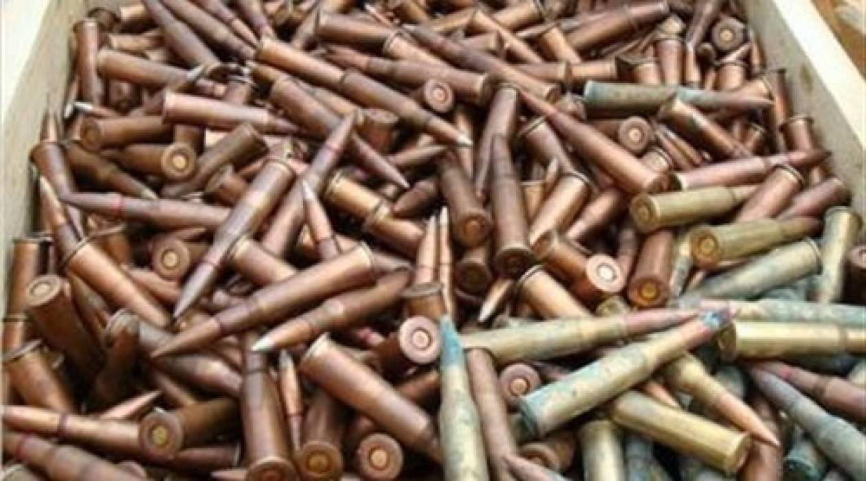 Θεσσαλονίκη: «Ψάρεψε» 87 κάλυκες στρατιωτικού όπλου!