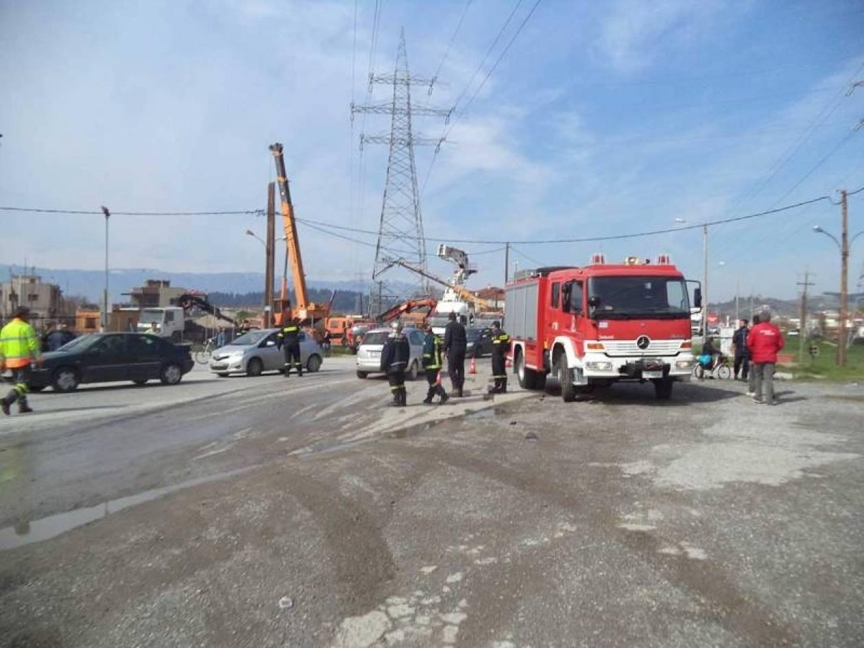 Τρίκαλα:Ένας τραυματίας από σύγκρουση νταλίκας με επιβατικό οχημα (vd)