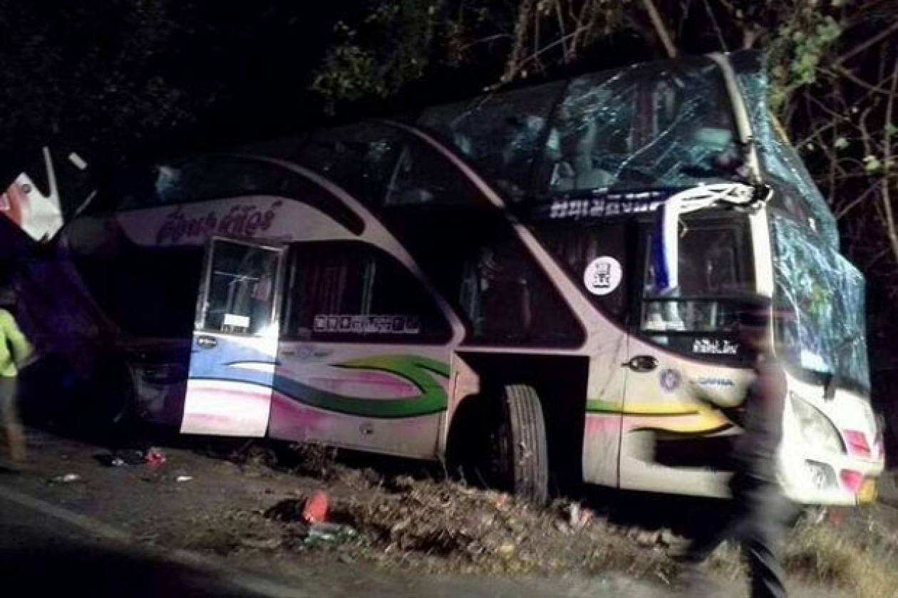 Ταϊλάνδη: 14 νεκροί από σύγκρουση λεωφορείου με φορτηγό