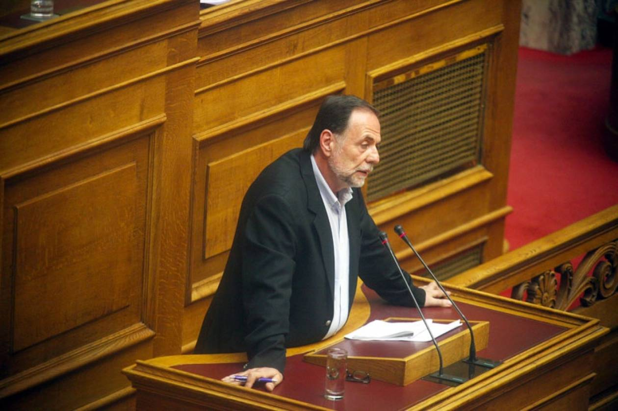 Χαμός στη Βουλή: Άγριος καυγάς Π. Ρήγα με βουλευτές του ΣΥΡΙΖΑ