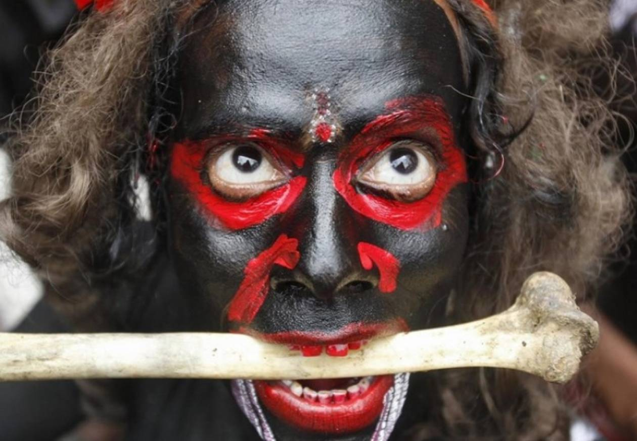 Συγκλονιστική φωτογραφία από το φεστιβάλ Μαχασιβράτρι στην Ινδία