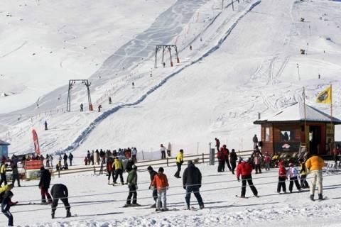 Ανοιχτά τα χιονοδρομικά κέντρα στη Δυτική και Κεντρική Μακεδονία