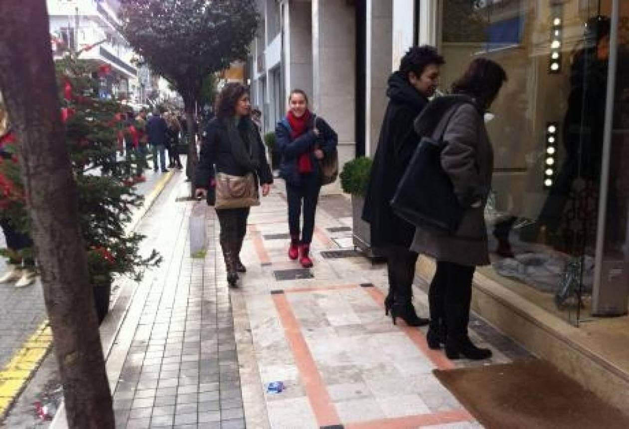Πάτρα: Απειλήθηκε με απόλυση-Ζήτησε αμοιβή για την Κυριακή που δούλεψε