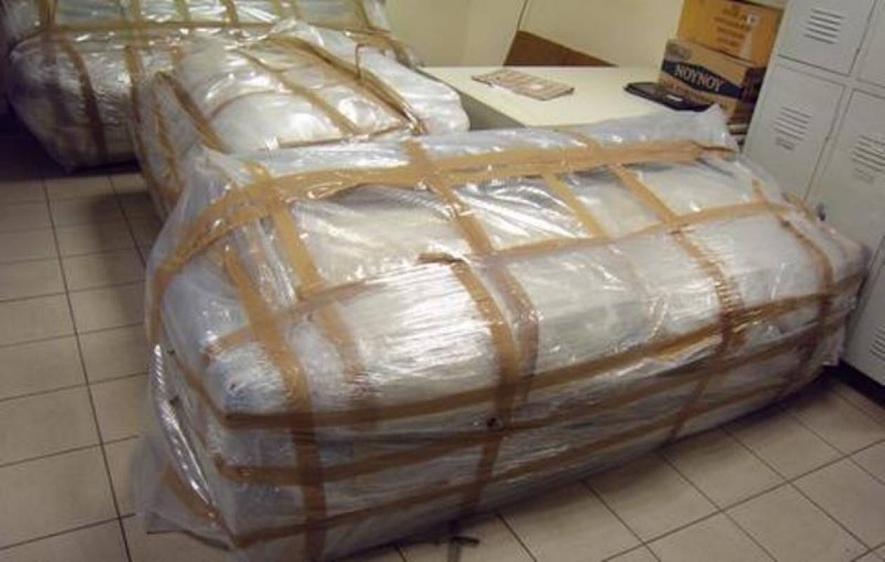 Καναπέδες με προορισμό την Γερμανία περιείχαν...(pics)