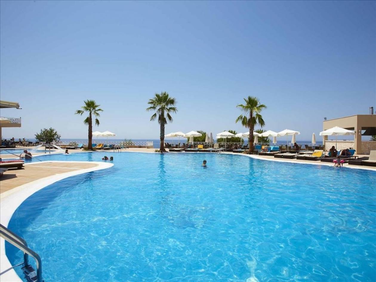 Χαλκιδική: Εγκαίνια στο πολυτελές ξενοδοχείο «Pomegranate»
