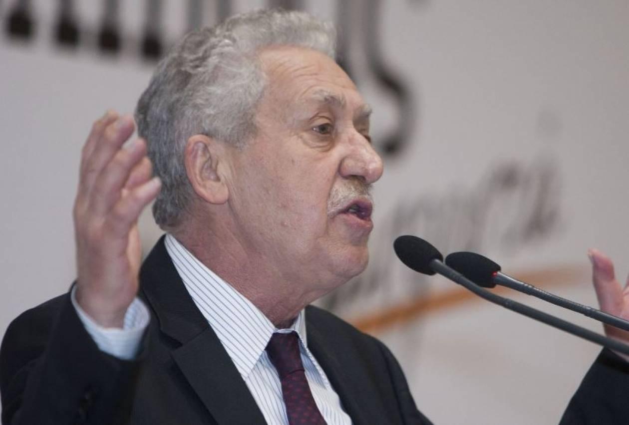 Κουβέλης: Ο Βενιζέλος έχει χάσει την ψυχραιμία του