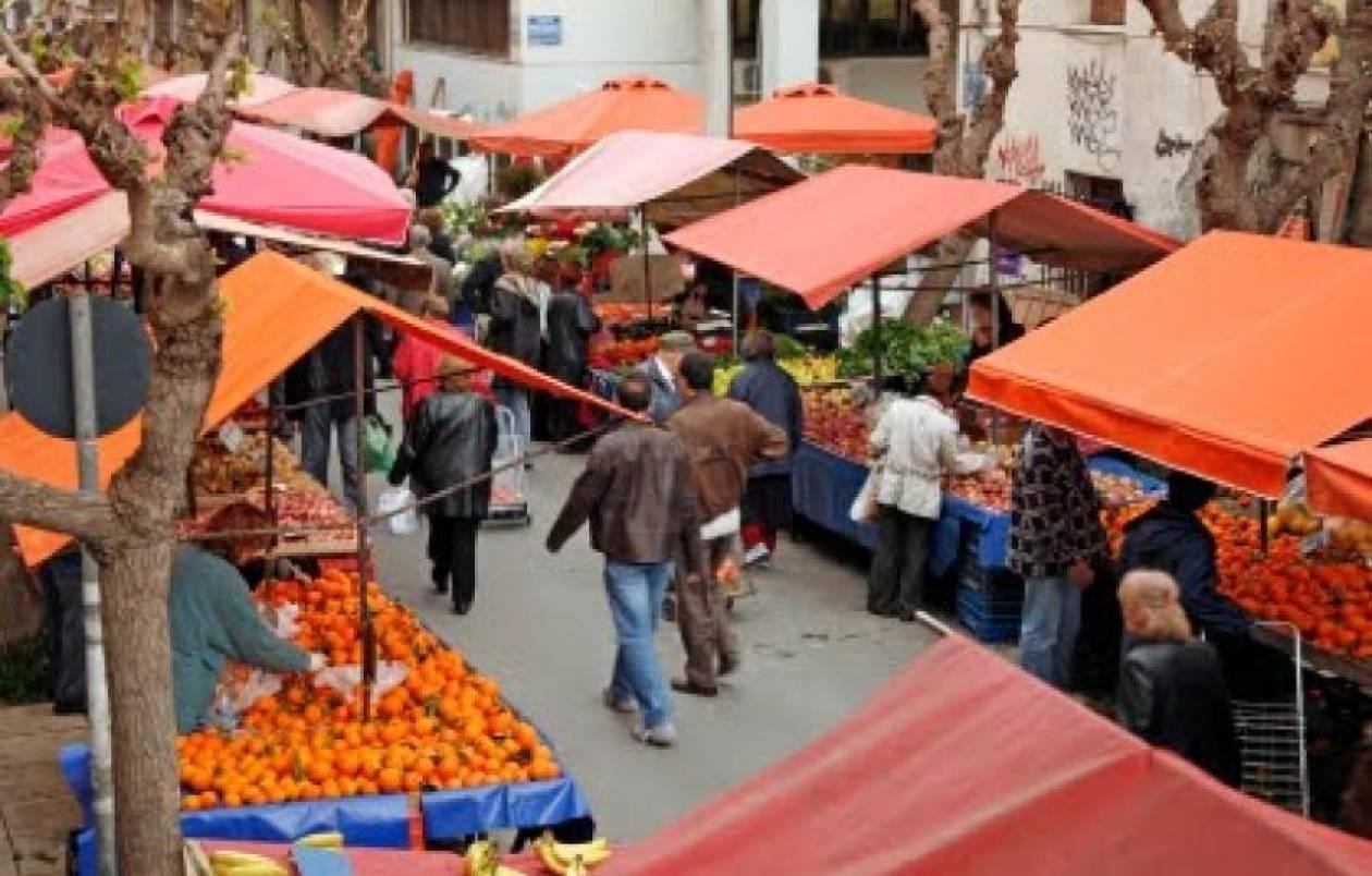 Συνεχίζουν τις κινητοποιήσεις τους πωλητές και παραγωγοί λαϊκών αγορών