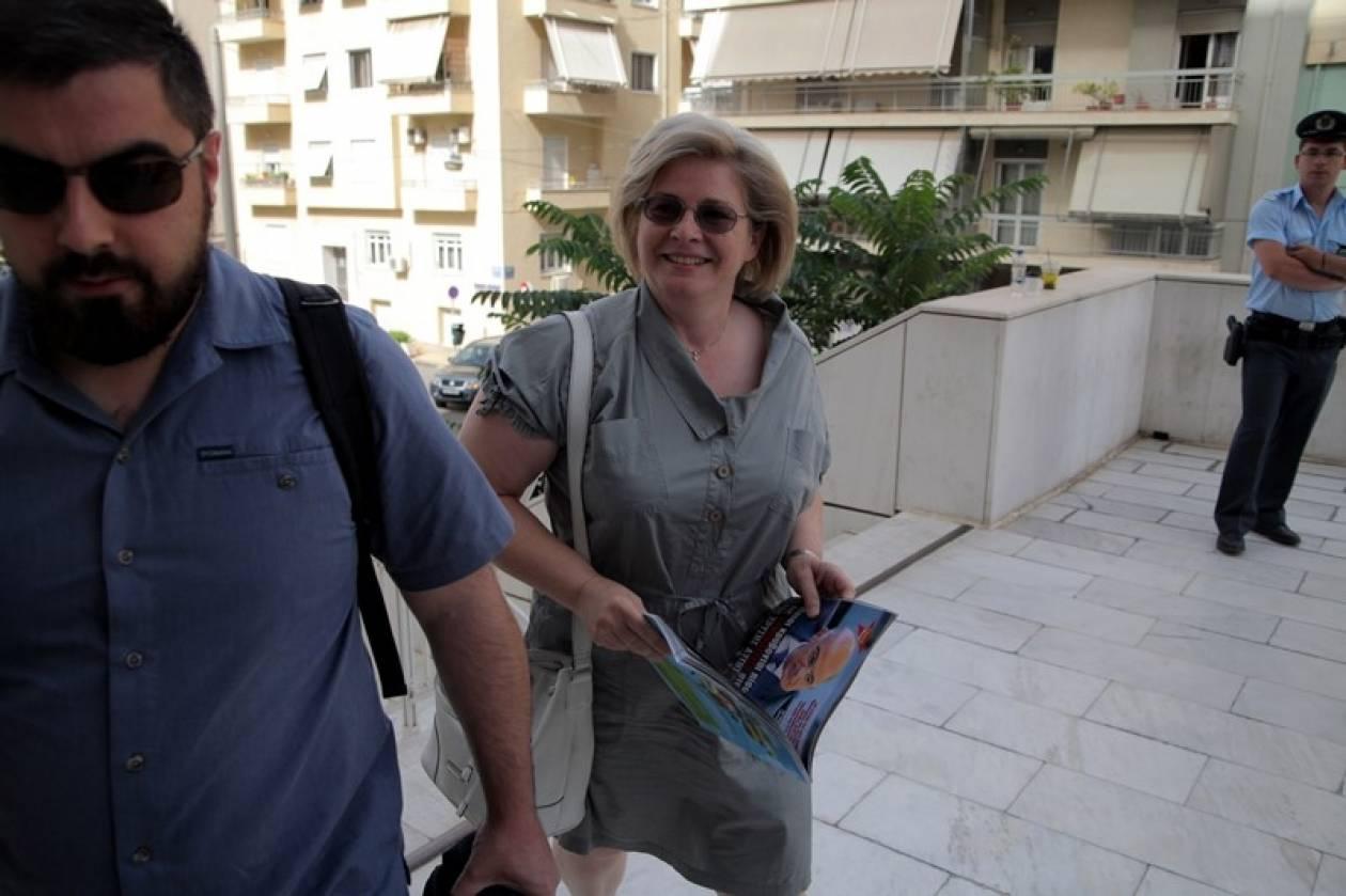 Ελεύθερη με περιοριστικούς όρους η Ελένη Ζαρούλια