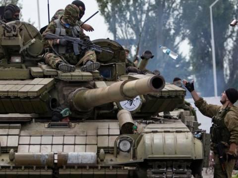 «Είμαστε πλέον κανονικός στρατός και όχι αντάρτες», λένε οι ρωσόφωνοι του Ντονιέτσκ