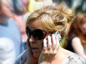 Αυτό είναι το νέο πρόβλημα με το iPhone 6 : κόβει τα μαλλιά των χρηστών