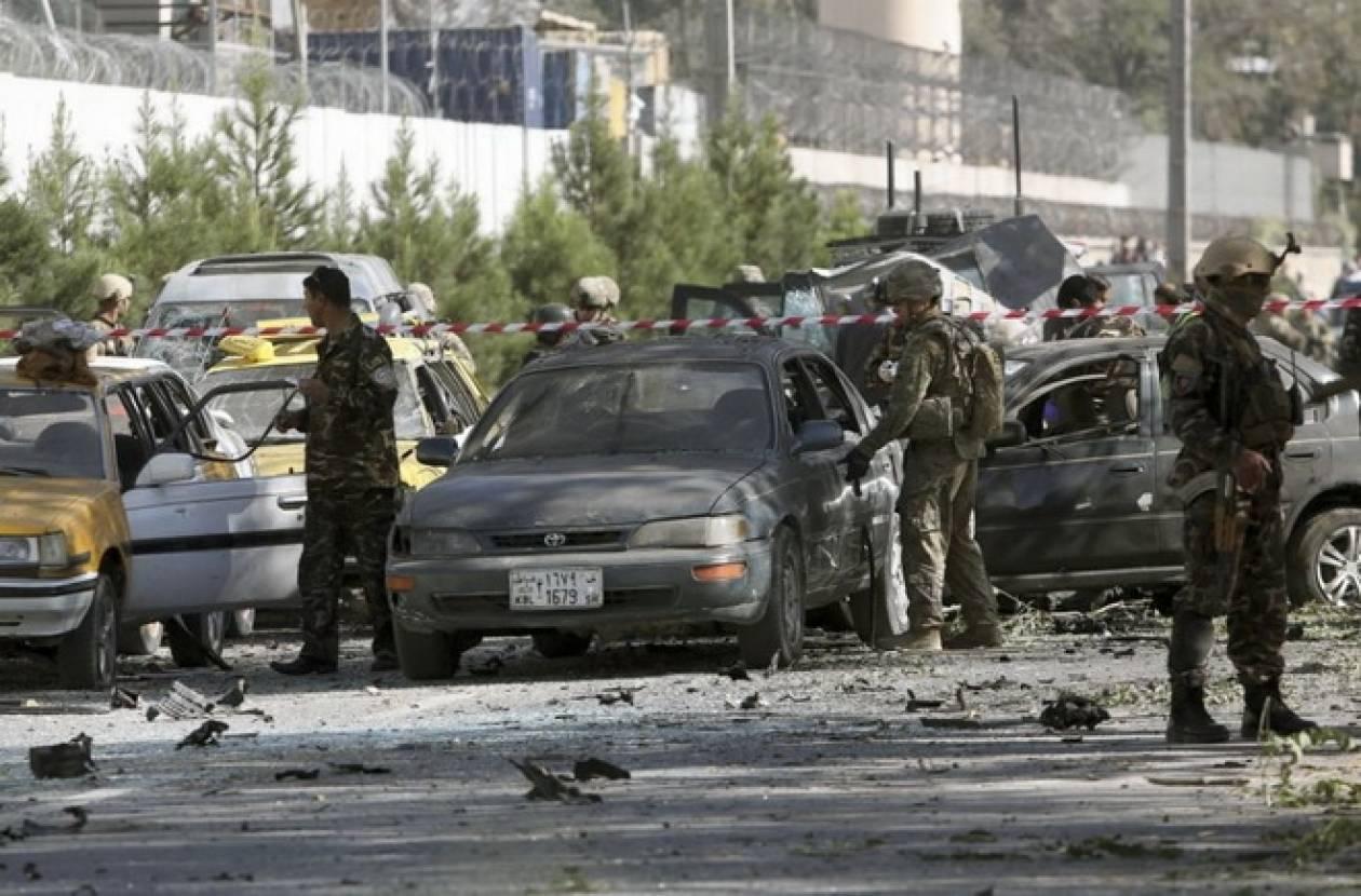 Αφγανιστάν: Επίθεση καμικάζι των Ταλιμπάν εναντίον αυτοκινητοπομπής της ISAF στην Καμπούλ