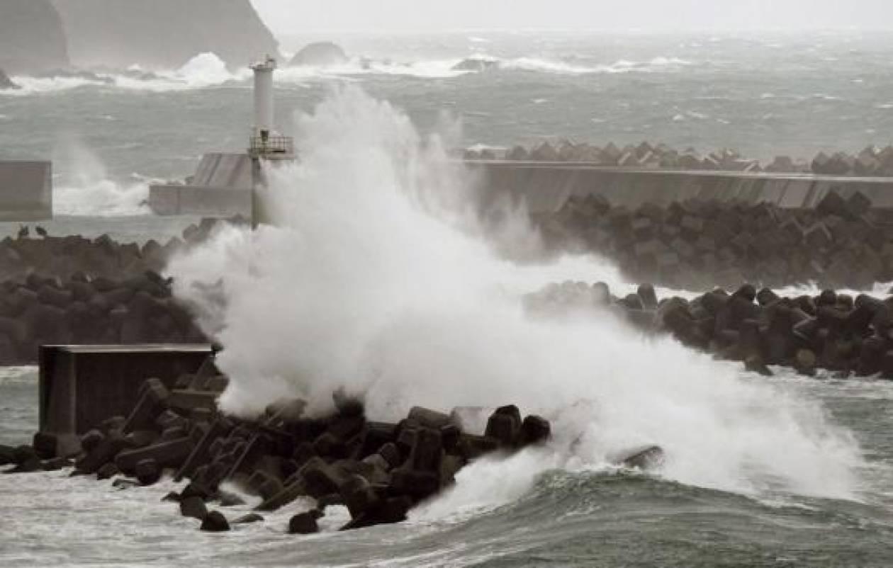 Ιαπωνία: Ο τυφώνας Βονγκφόνγκ έφθασε στα κεντρικά νησιά της χώρας