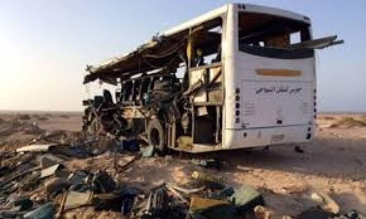 Αίγυπτος: Τριάντα νεκροί από τη σύγκρουση δύο λεωφορείων