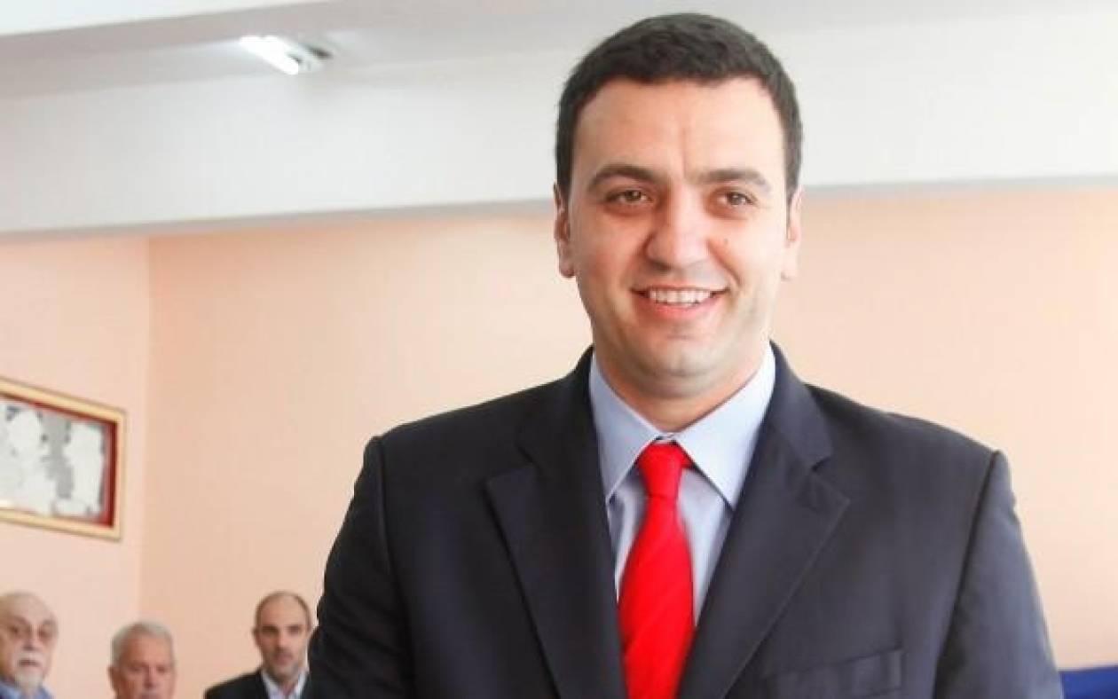Ο Βασίλης Κικίλιας ψηφίζει στις εκλογές του ΙΣΑ