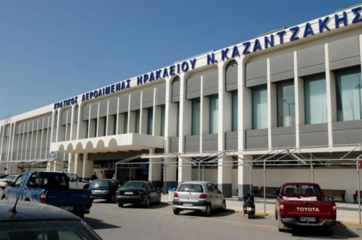 Πανικός στο Ηράκλειο: Επιβάτης αεροσκάφους πέθανε στον αέρα