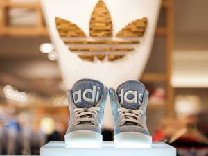 Σου αρέσουν τα Adidas; Καιρός να θυμηθείς τα παιδικά σου χρόνια