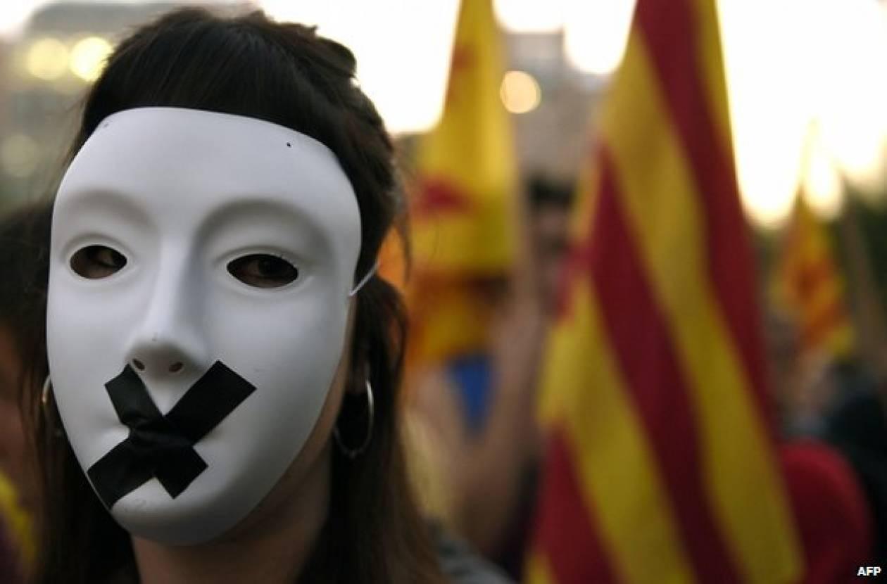 Ισπανία: Εναλλακτική μορφή ψηφοφορίας για την ανεξαρτησία της Καταλωνίας