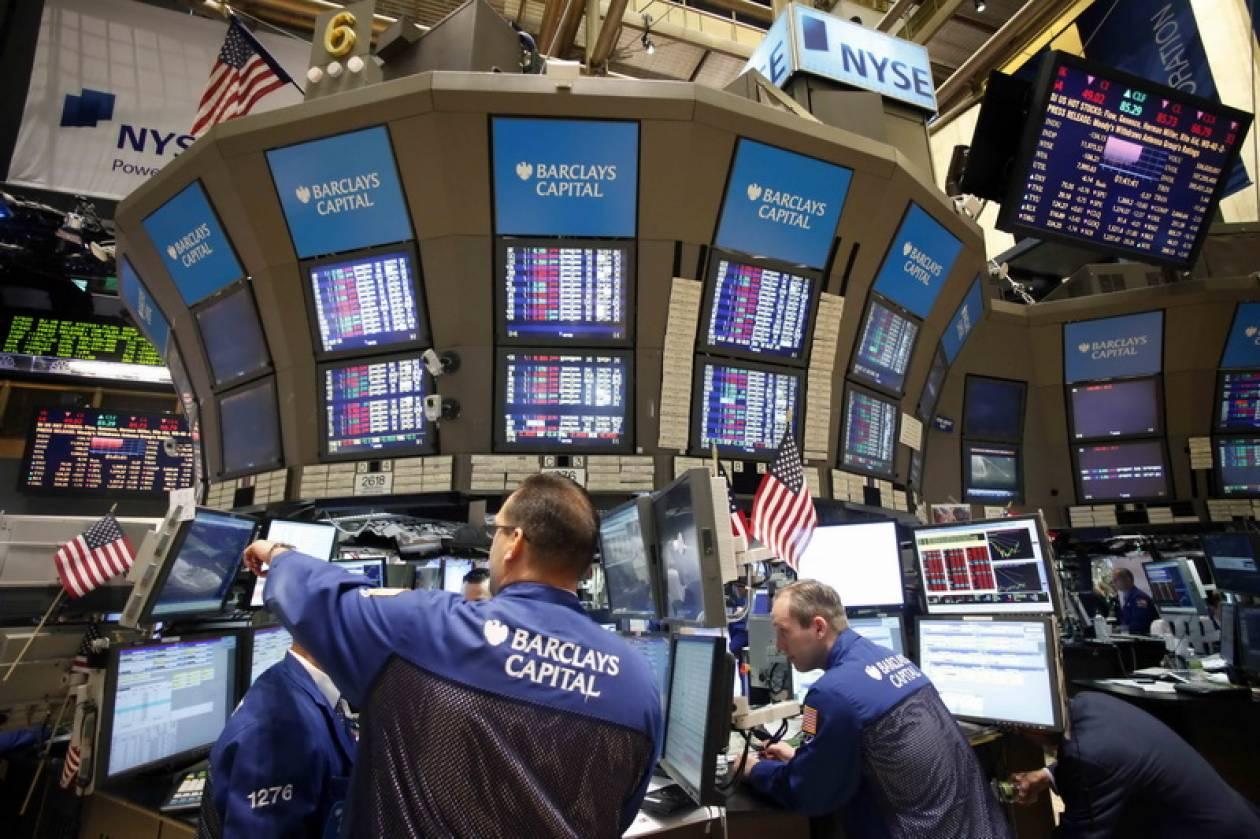 Με μικτά πρόσημα και νευρικότητα έκλεισε η Wall Street
