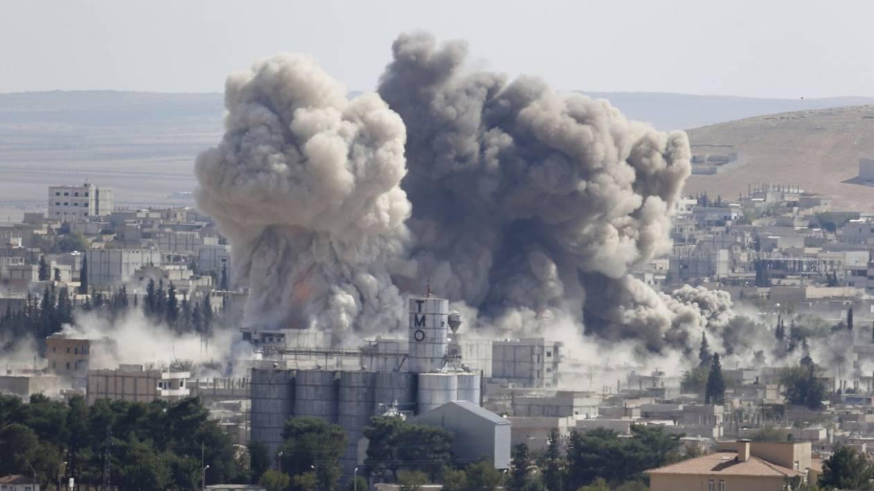 Κομπάνι: Συνεχίζονται με ένταση οι αεροπορικές επιδρομές