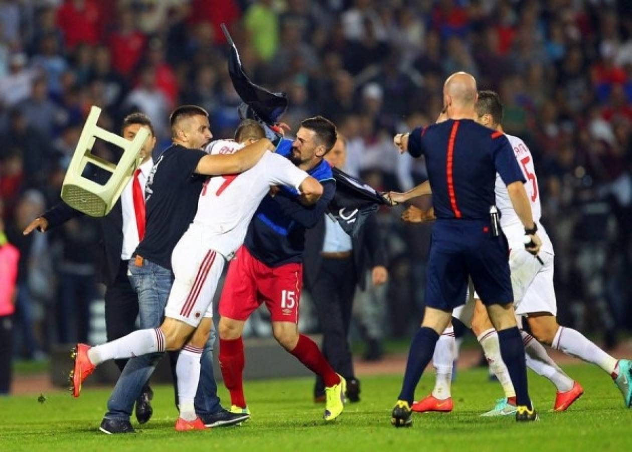 Euro 2016: Ο εθνικισμός σκότωσε το ποδόσφαιρο–Άγριες εικόνες στο Σερβία-Αλβανία