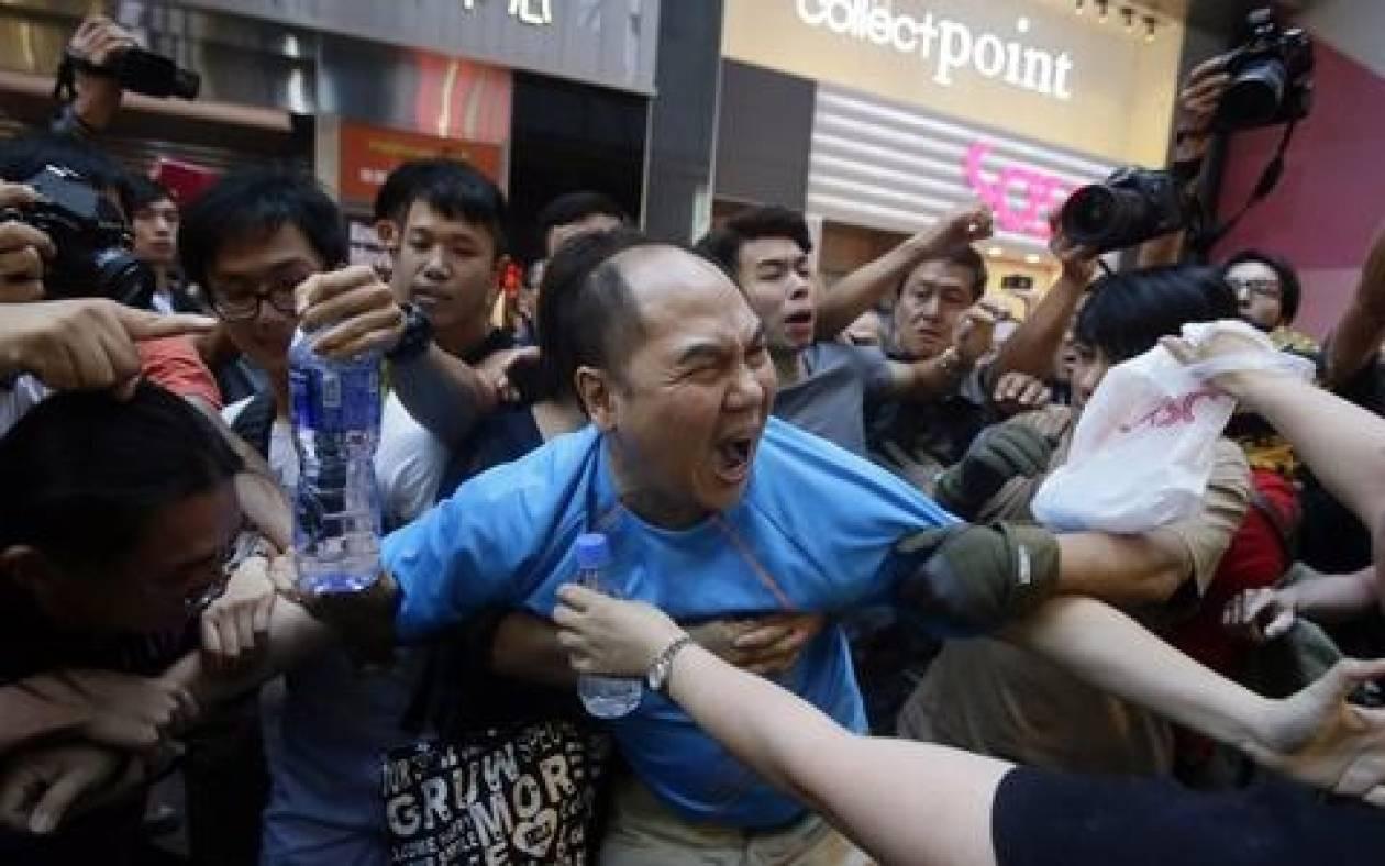 Χονγκ Κονγκ: Αστυνομική βία κατά διαδηλωτών και 45 συλλήψεις