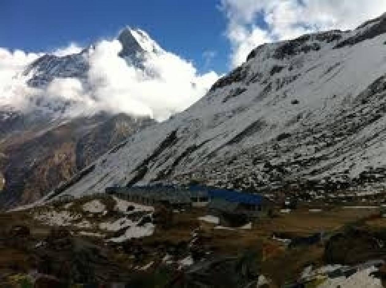 Νεπάλ: Τουλάχιστον τέσσερις τουρίστες έχασαν τη ζωή τους από τις χιονοθύελλες