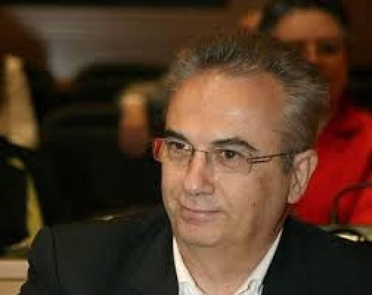 Τρία βήματα για το ΠΑΣΟΚ, πριν να είναι αργά, προτείνει ο πρώην υπουργός Γ. Μαγκριώτης