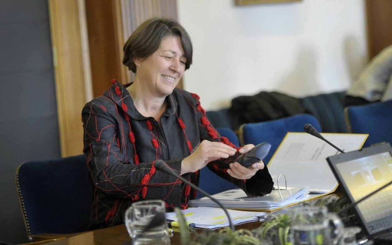 Ο Γιούνκερ προτείνει για Επίτροπο την υπουργό Ανάπτυξης της Σλοβενίας