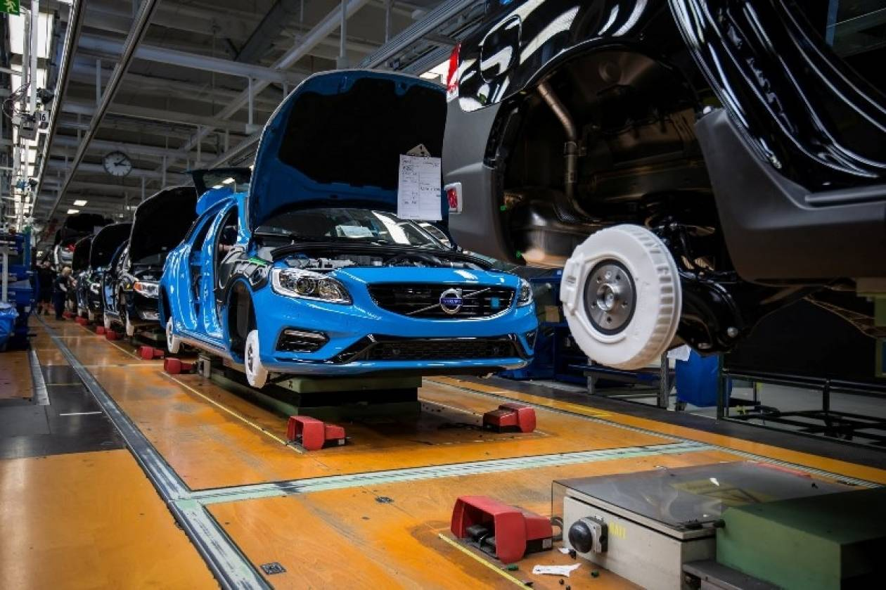 Volvo: Επιπλέον βάρδια και θέσεις εργασίας στην Τορσλάντα