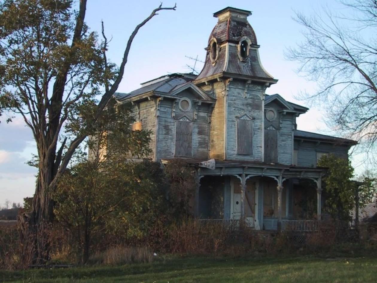 Πώς θα καταλάβετε αν το σπίτι σας είναι στοιχειωμένο