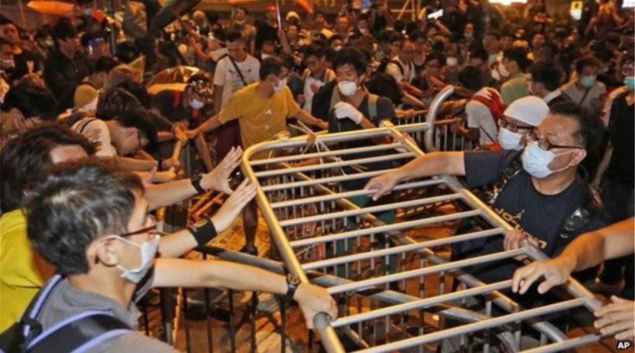Νέες συγκρούσεις διαδηλωτών και αστυνομίας στο Χονγκ Κονγκ