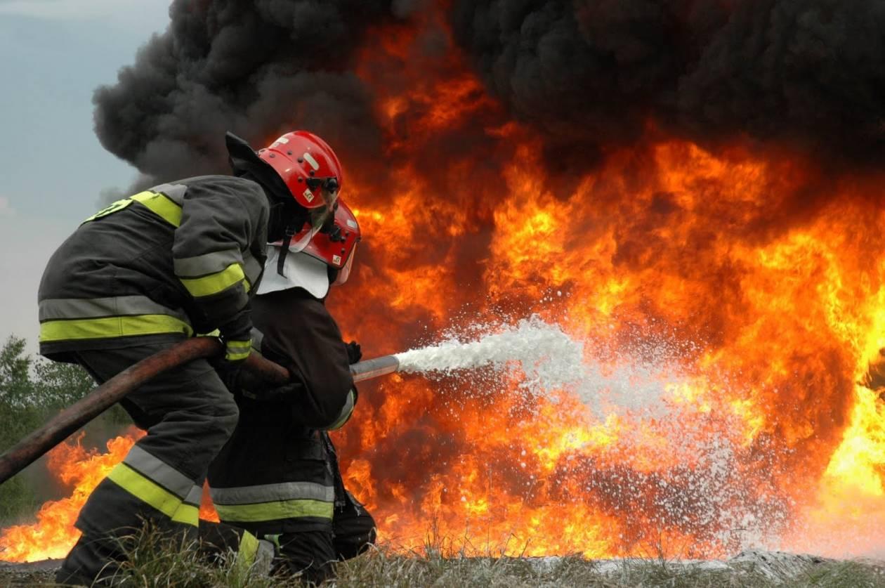 Άνδρος: Σε εξέλιξη μεγάλη πυρκαγιά