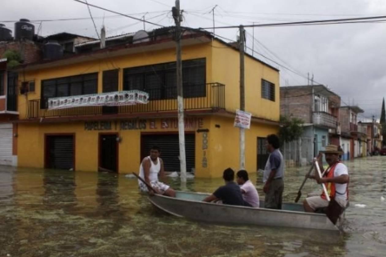 Μεξικό: Πλημμύρες και κατολισθήσεις από την τροπική καταιγίδα Τρούντι