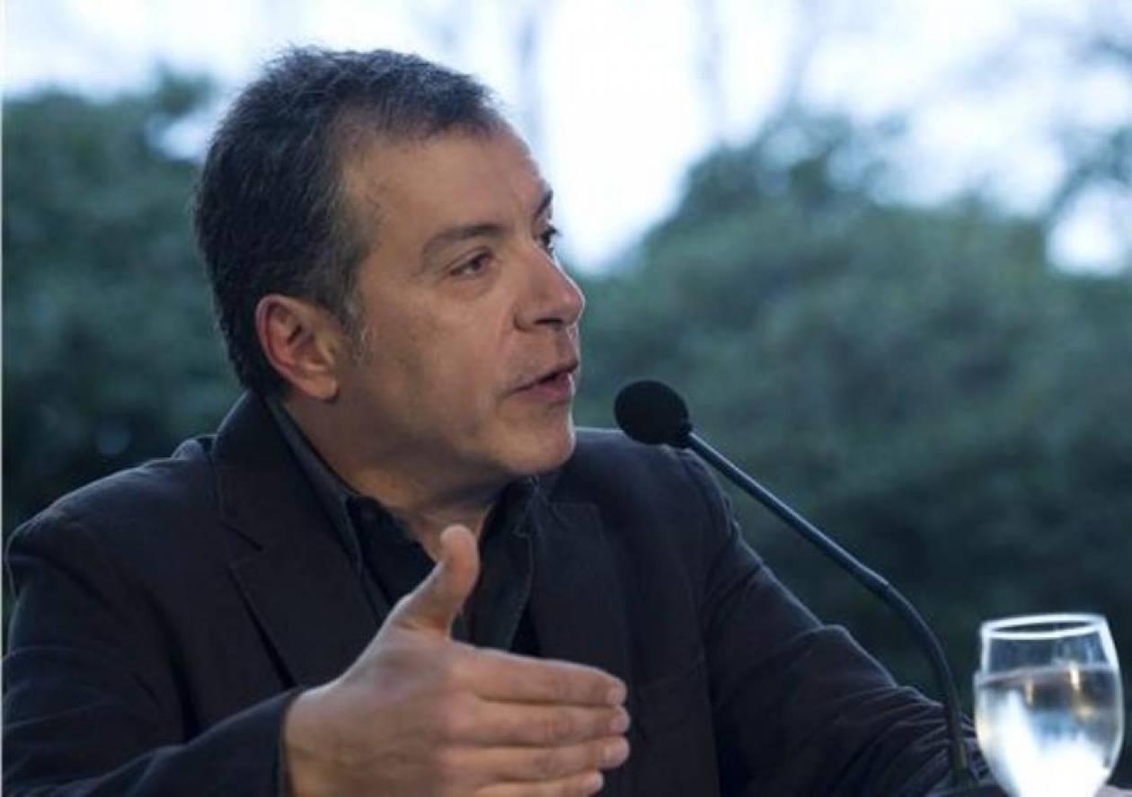 Θεοδωράκης: Να παραμείνει το Ποτάμι τρίτη δύναμη