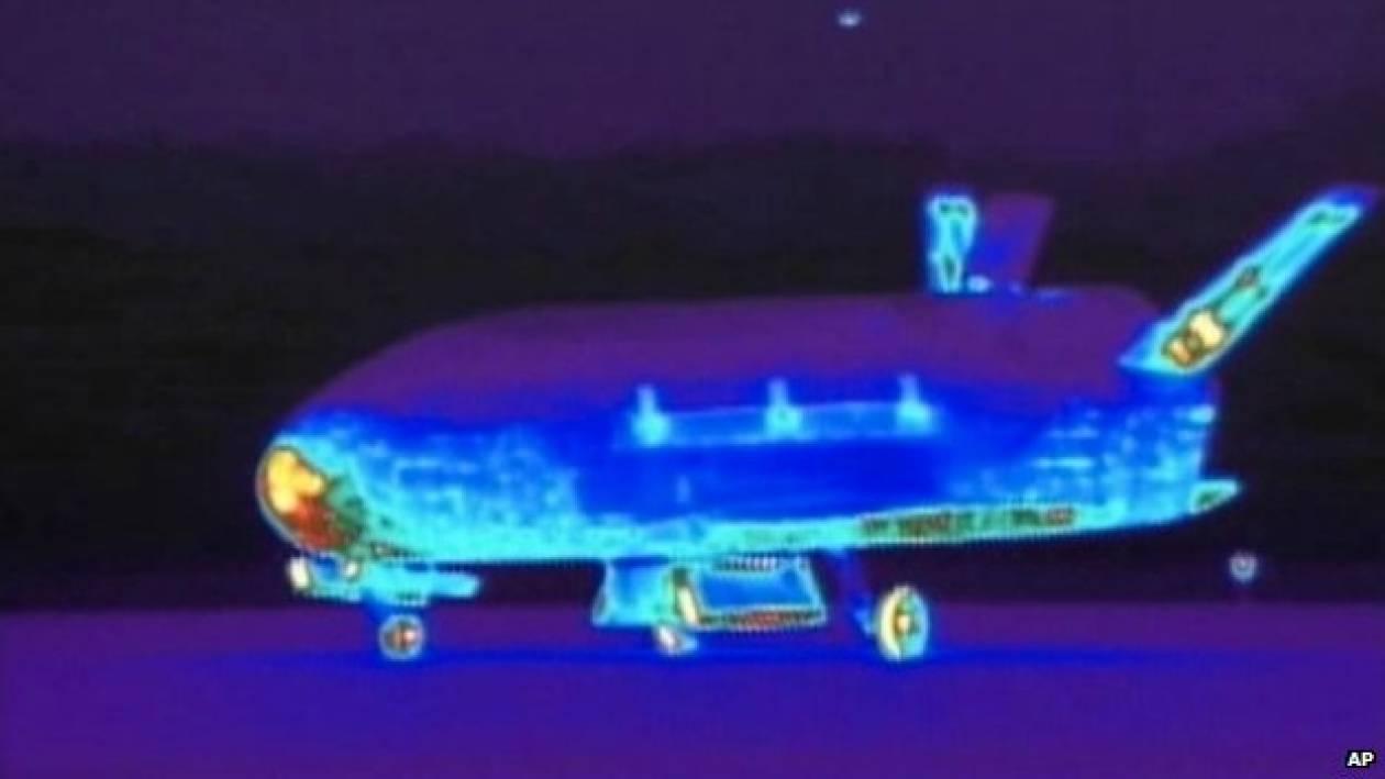 Επέστρεψε το μυστηριώδες διαστημικό αεροπλάνο (pics+video)