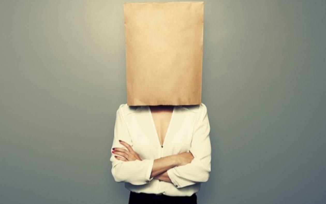Σπυράκια: 4 απίστευτες αιτίες που έχετε έξαρση