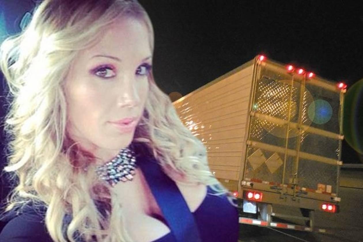Διάσημη πορνοστάρ προσκαλεί το κοινό στο πίσω μέρος του... φορτηγού της! (vids+pics)